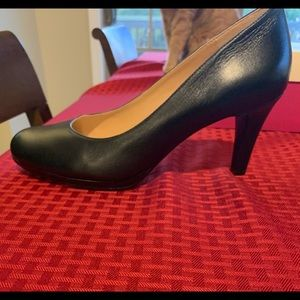 Naturalizer Michelle Black Pumps